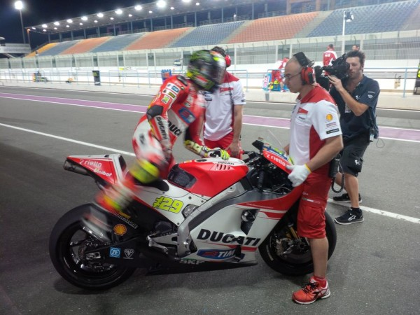 MotoGP, Test Qatar: segui il Live Timing del Day 1. Classifica e Risultati