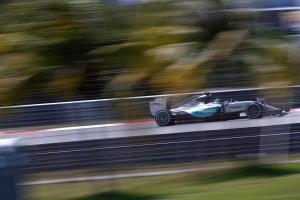F1, Sepang: le Ferrari subito dietro alle Mercedes in FP3. Classifica e Risultati