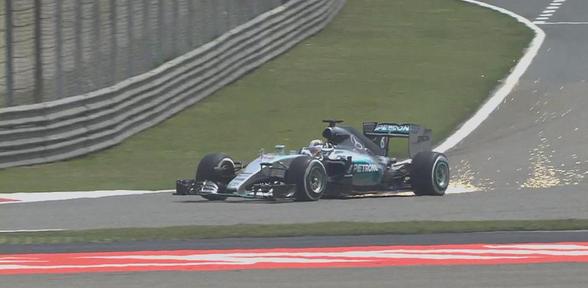 F1, Cina: Hamilton domina il venerdì, la Ferrari è vicina