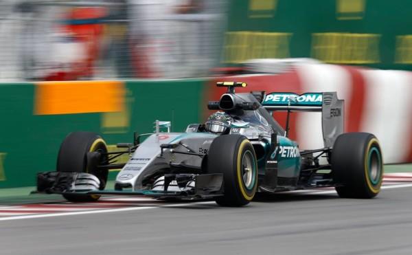 F1, Canada: Rosberg vola nella FP3, ma anche Nasr...contro il muro