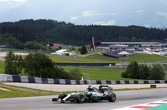 F1, Spielberg: Nico Rosberg 1° nelle FP1