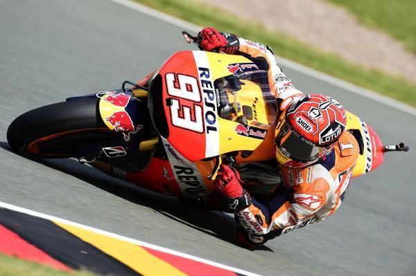 MotoGP, Sachsenring: Pole di Marquez e doppietta Honda. Rossi 6°