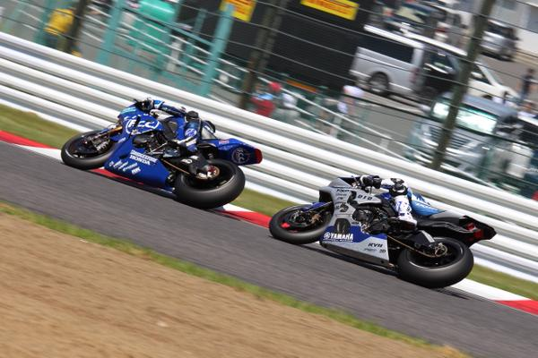 F.C.C. Honda vs Yamaha Factory Racing Team Suzuka 2015