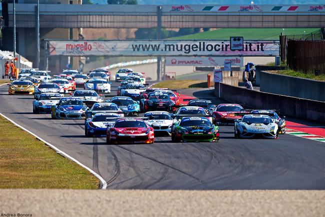 GT Italia: dominio Porsche al Mugello con Donativi. Bene i fratelli Zangari
