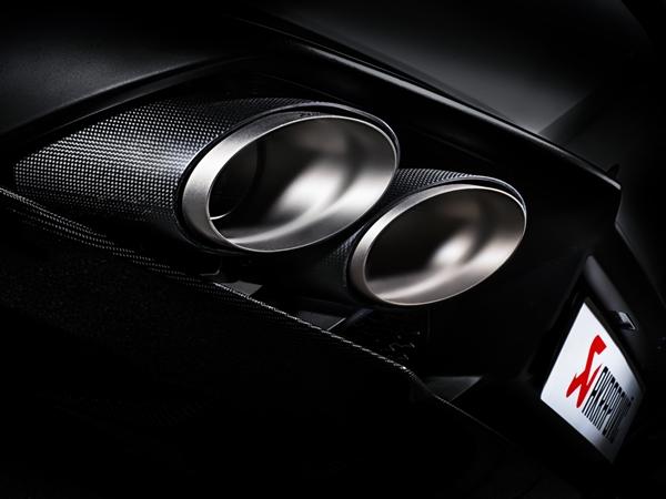 Akrapovic presenta il nuovo scarico per la Lamborghini Huracan
