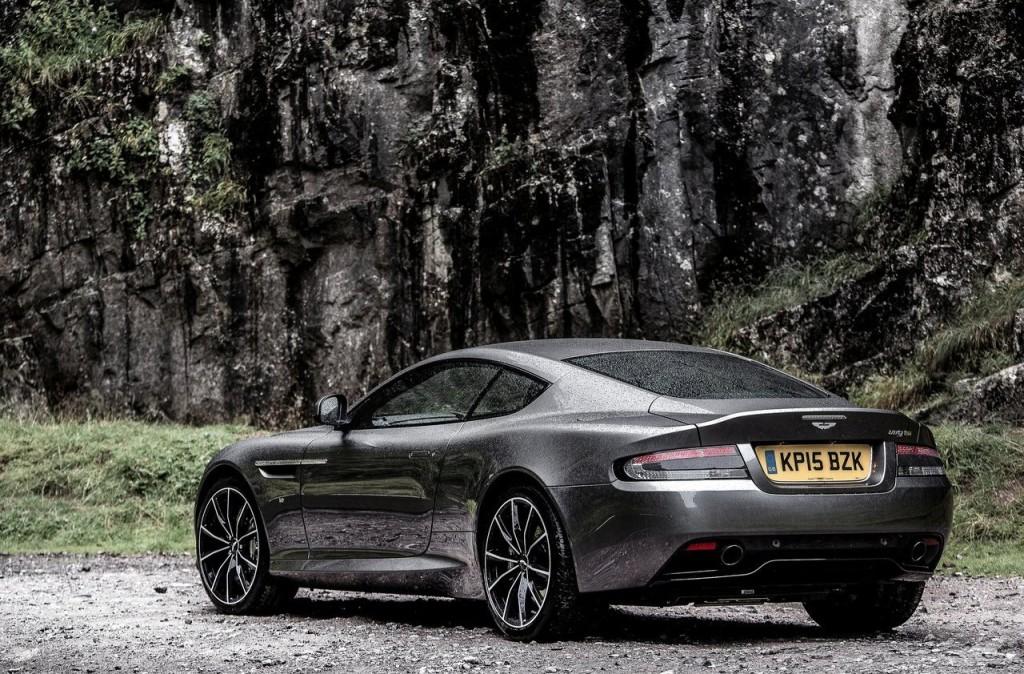 Aston Martin DB9 GT posteriore