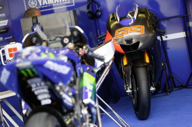 Yamaha M1 Jorge Lorenzo 2015 Brno Test Michelin