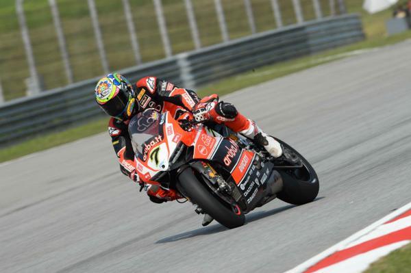 Chaz Davies Ducati Panigale R wins Sepang Race2 2015