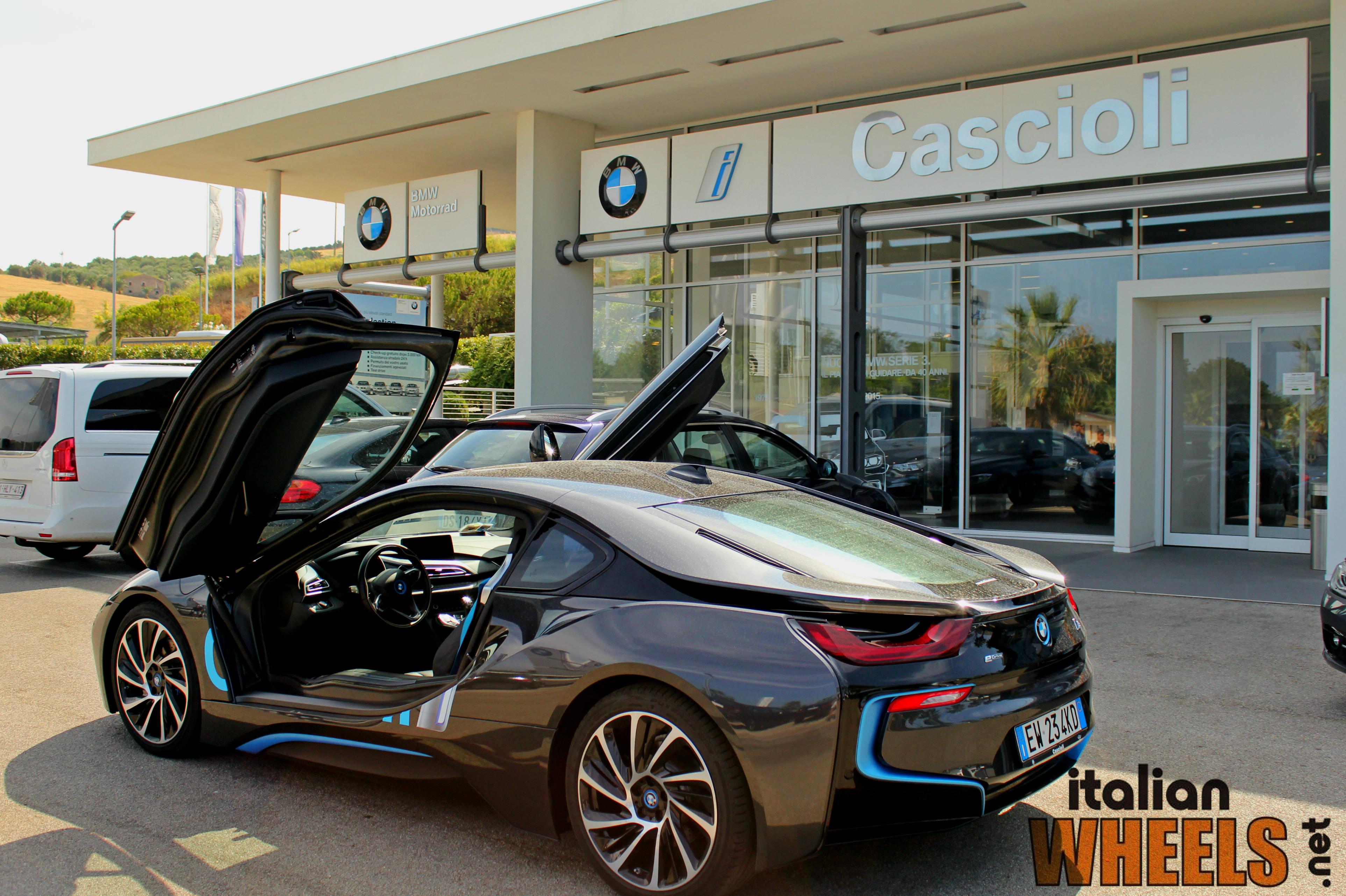 TestDrive: BMW i8, il futuro a portata...di piede on