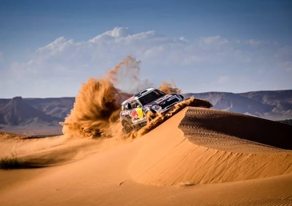 Dakar, 8° Tappa: Al-Attiyah tiene duro e vince, Price si riprende la vetta