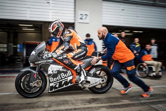 Chiamata in KTM per Thomas Luthi: sarà tester della RC16 MotoGP