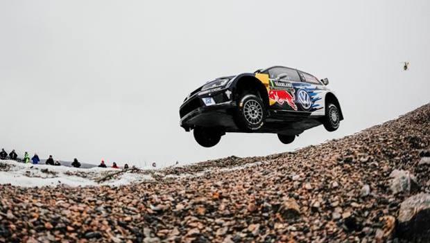 WRC, Svezia: Ogier vince un rally a metà