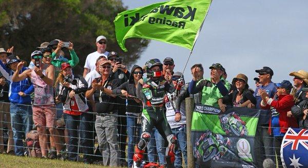 SBK, Phillip Island: doppietta in Gara2 per Rea, a podio anche Giugliano
