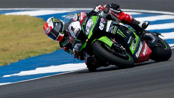 SBK, doppietta Kawasaki in Thailandia: terza vittoria consecutiva per Rea