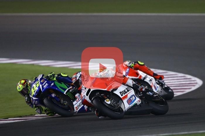 Valentino Rossi vs Andrea Dovisioso MotoGP Qatara 2015 VIDEO