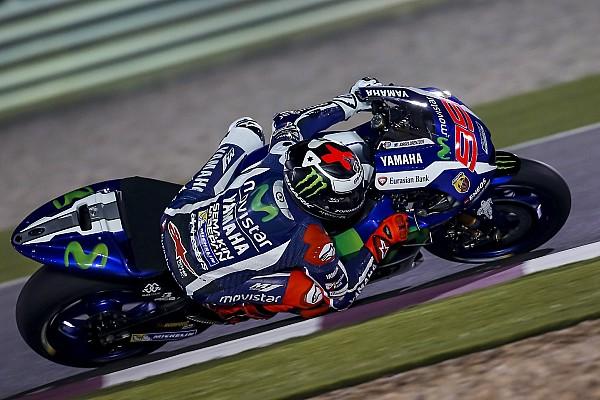 MotoGP, Qatar: Jorge Lorenzo primo delle FP4, nervosismo con Rossi