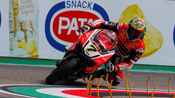 Davies e la Ducati padroni del Venerdì di Imola. Subito dietro le Kawasaki