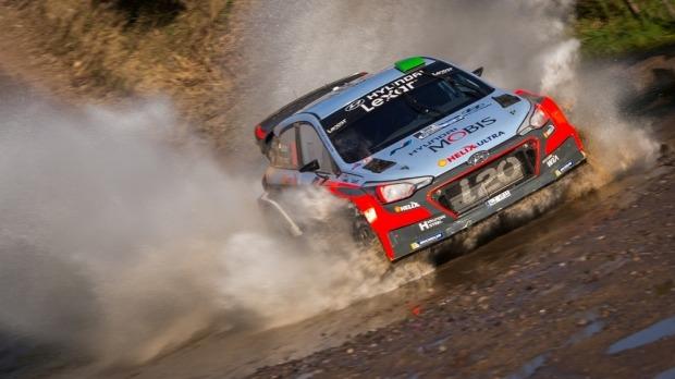 WRC, Argentina 2016: Hayden Paddon e la Hyundai vincono su Ogier