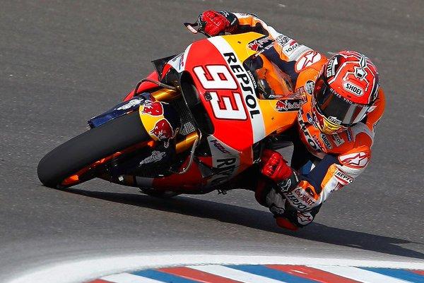 Marquez vince in Argentina una gara pazza. Disastro delle Ducati!