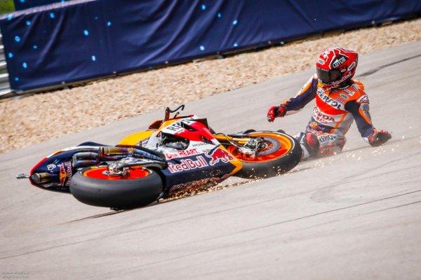 Nelle FP2 di Austin Marquez cade ma si conferma, tante le sorprese in Classifica