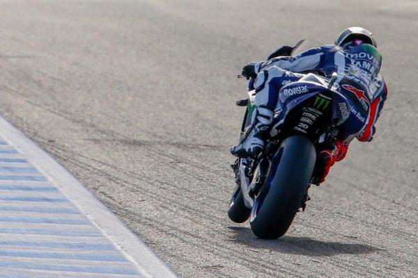 Lorenzo si conferma leader del venerdì di Jerez. Si rivede Aleix Espargarò