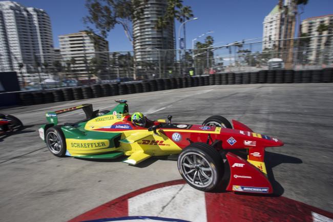 Di Grassi vince a Long Beach