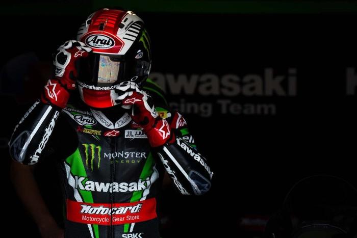 Squadra che vince non si cambia: Jonathan Rea e Kawasaki insieme fino al 2018
