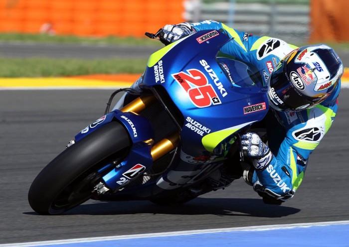 Vinales e la Suzuki aprono il week-end di Barcellona. Lorenzo e Rossi subito dietro