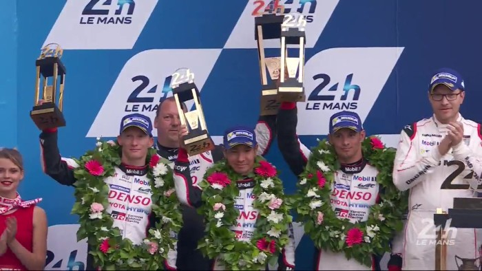 A Le Mans clamorosa rottura di Toyota che perde all'ultimo giro. Vince la Porsche