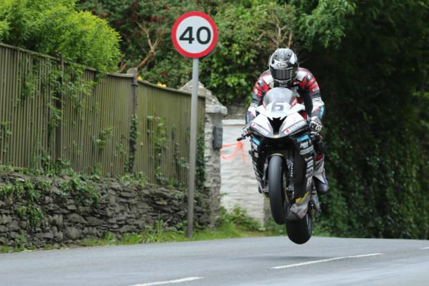 Michael Dunlop scolpisce il proprio nome al TT con un Record pazzesco! McGuinness è 3°