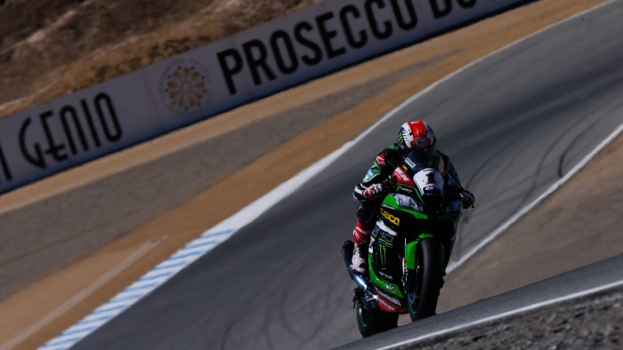 A Laguna Seca doppietta Kawasaki in Gara-1, per Ducati un disastro