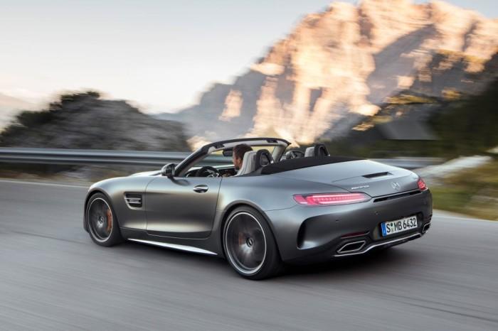 Mercedes-AMG GT e GT C Roadster, aria nei capelli ad oltre 300 Km/h