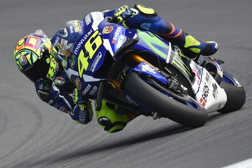 Valentino Rossi apre in testa il week-end di Misano, ma quante cadute nelle FP1!