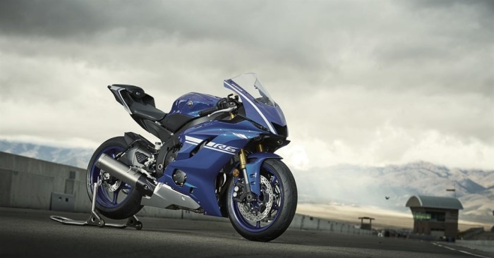 Yamaha R6 2017: nuova ciclistica, più leggera, più aerodinamica e... favolosa!