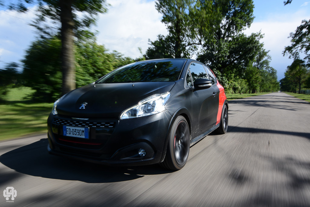 TEST - 208 GTi by Peugeot Sport, la compatta (ri)pensata per correre!