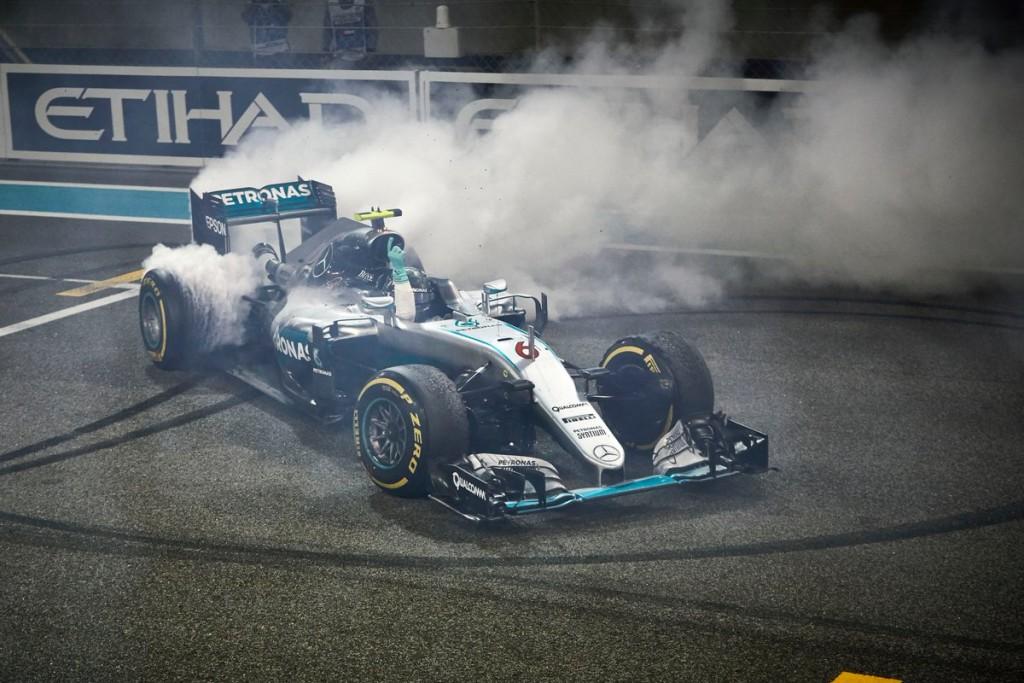 La notte araba incorona Nico Rosberg: il tedesco è Campione del Mondo