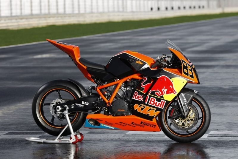 Dalla MotoGP alla strada: in arrivo l'erede della KTM RC8 ed una SS600?