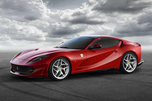 Ferrari 812 Superfast, 800 CV per il V12 di Maranello più potente di sempre