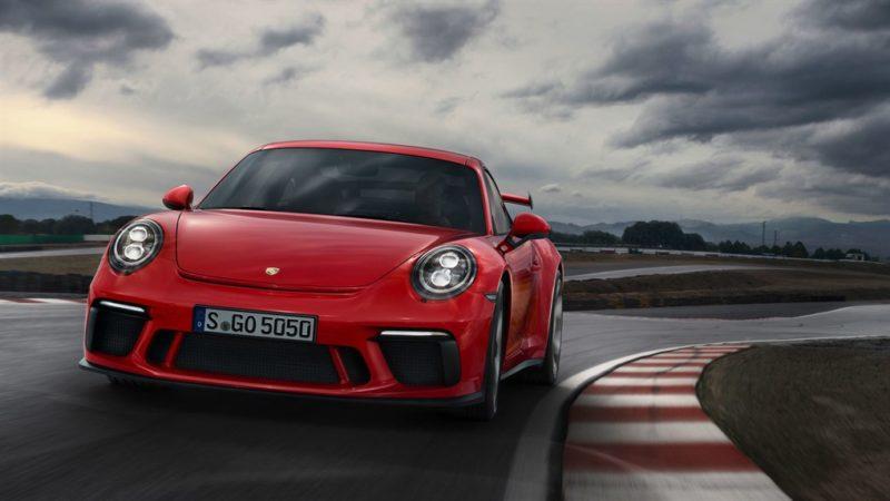 500 CV, niente turbo ed il cambio manuale: la nuova GT3 è ciò che volevamo!