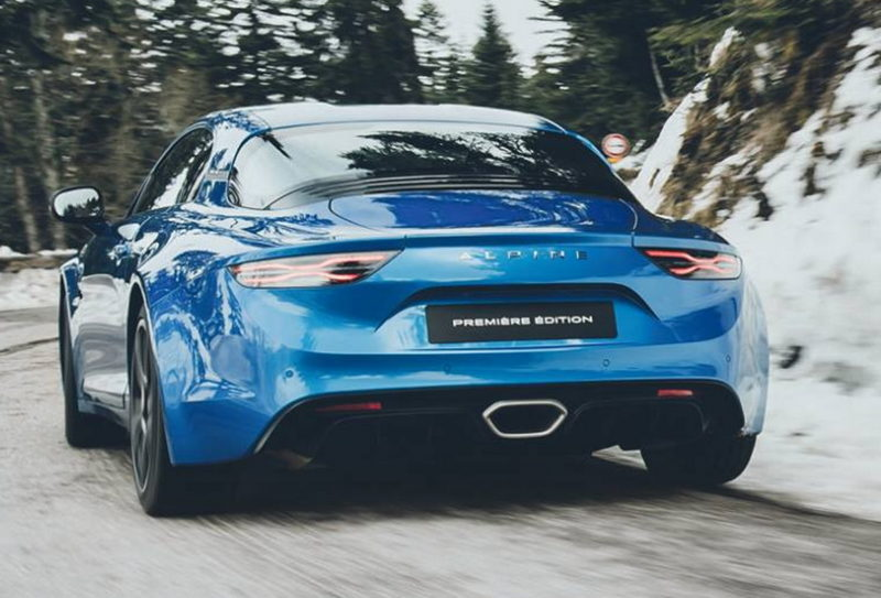 Alpine A110, il ritorno dei francesi tra le compatte sportive