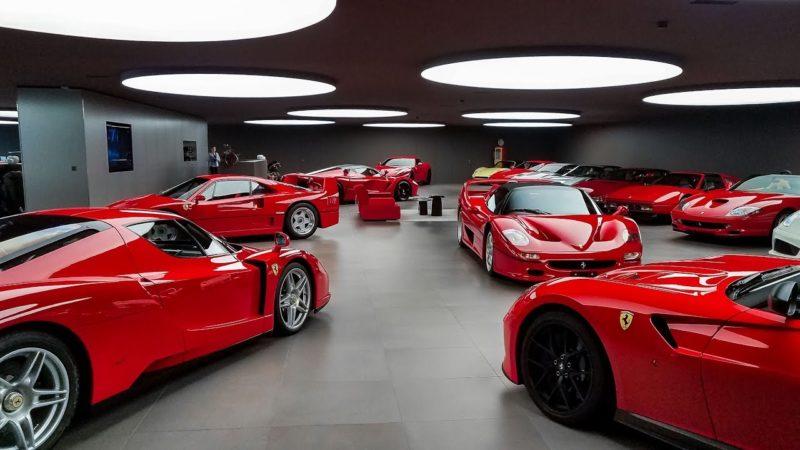 [VIDEO] In visita ad un'immacolata collezione di Ferrari