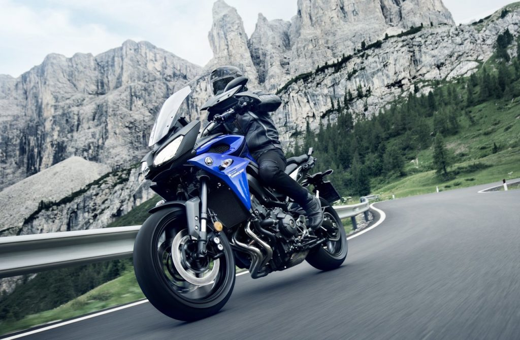 FAST-TEST: Yamaha Tracer 900, dove il turismo incontra l'ignoranza