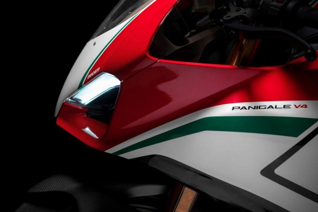 214CV e 1500 esemplari: Ducati supera se stessa con la V4!