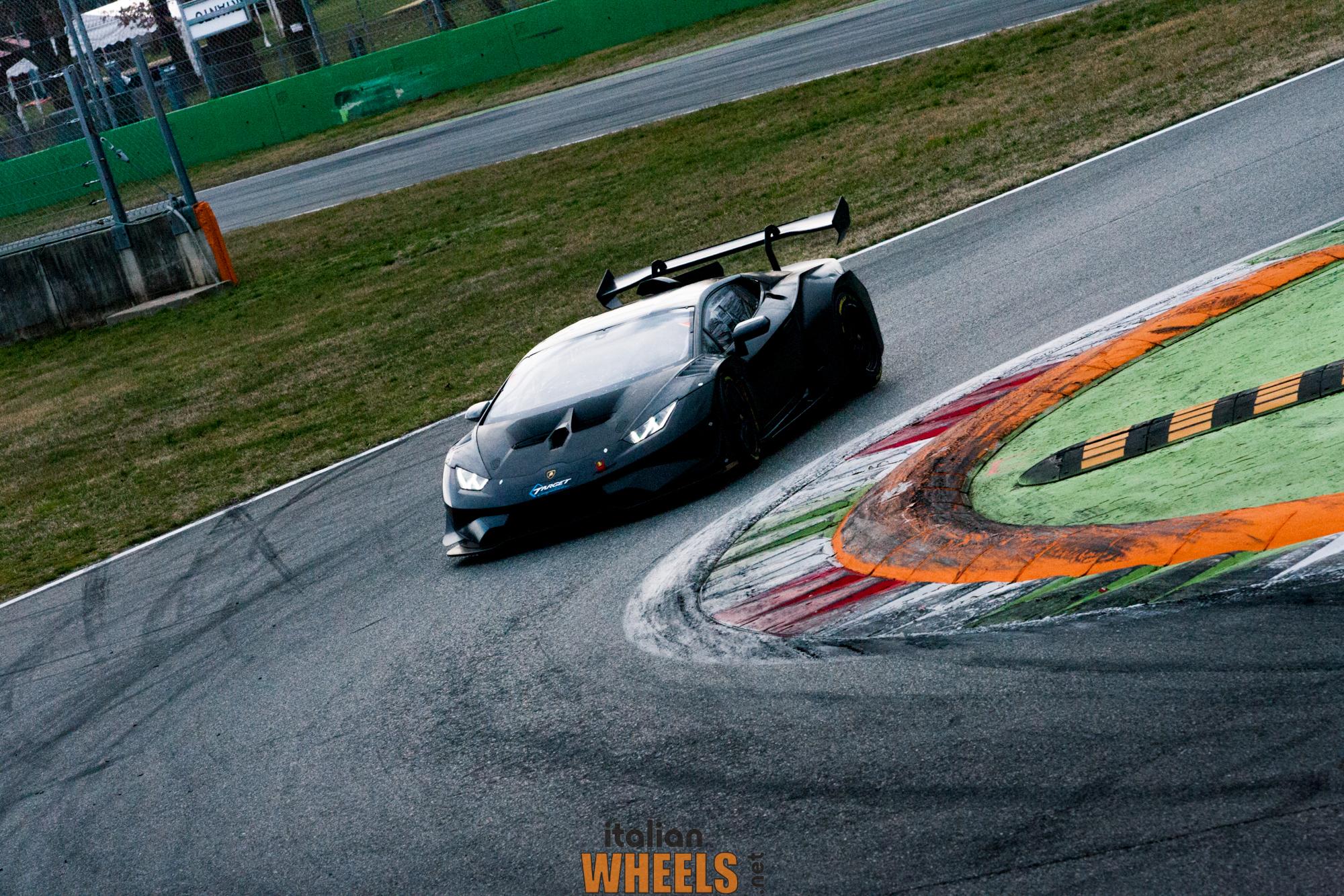 La NUOVA Lamborghini Huracán Super Trofeo Evo in azione a Monza