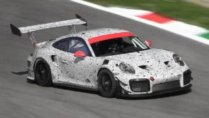 A Monza scende in pista una nuova GT2 RS?! [VIDEO]