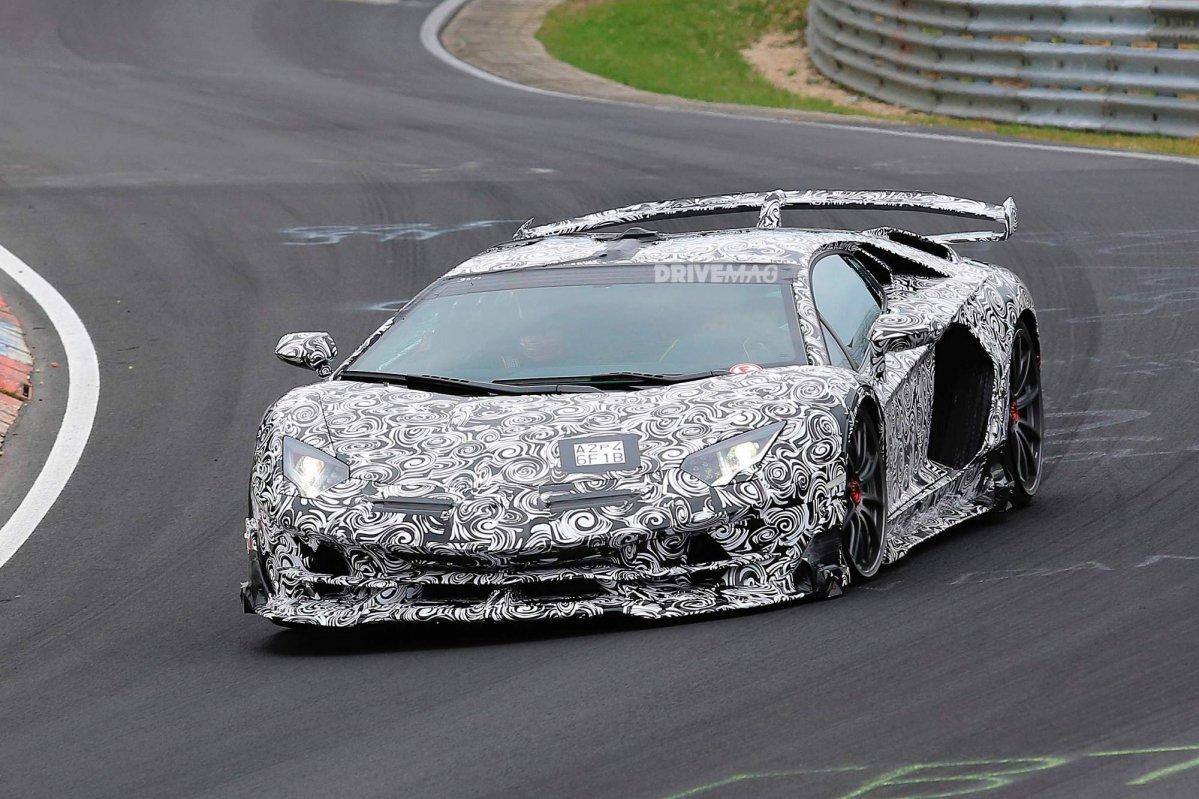 Svelata la prima foto ufficiale della Lamborghini Aventador SV Jota