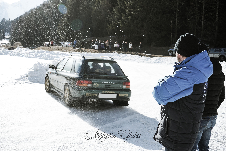 Siamo andati a guidare su una pista ghiacciata a Champoluc!