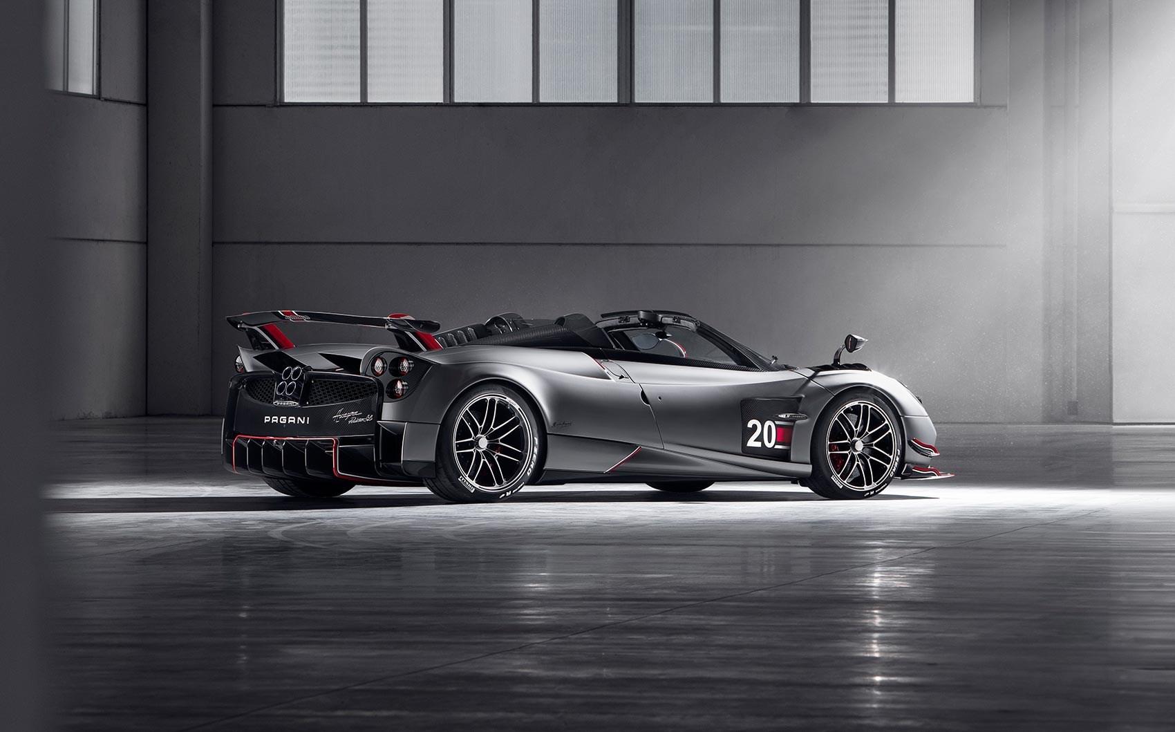 Pagani Huayra BC Roadster: 3.4 milioni per l'ultima nata della casa Modenese